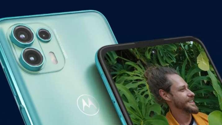 Motorola ने लॉन्च किए दो नए...- India TV Paisa
