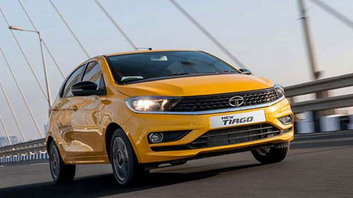 टाटा मोटर्स लॉन्च...- India TV Paisa