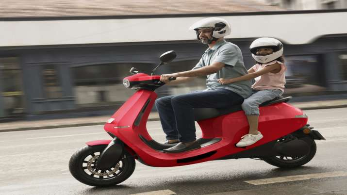 Ola Electric scooters sales crossed Rs 1100 cr in 2 days- India TV Paisa