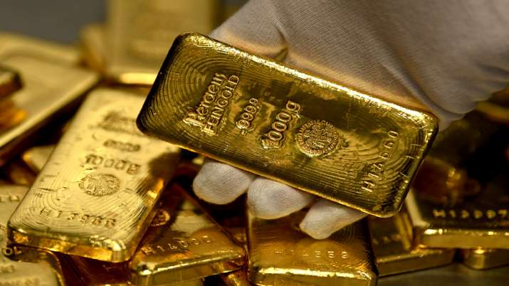 Gold jumps marginally to Rs 35, silver climbs Rs 383 today 27 september rate- India TV Paisa