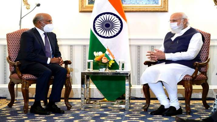 एडोब के सीईओ शांतनु...- India TV Paisa