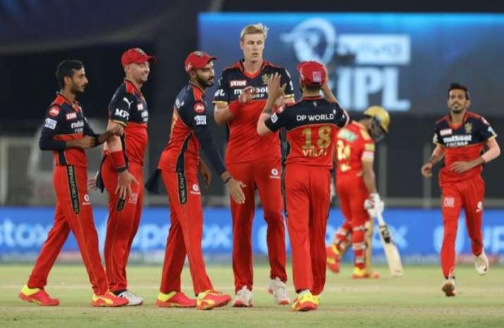 IPL 2021 : सीजन-14 के दूसरे भाग के लिए RCB से जुड़े तीन नए खिलाड़ी, जानें कैसा है पूरा स्क्वाड