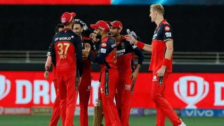 IPL 2021 RCB vs MI: हर्षल की हैट्रिक की मदद से विराट सेना ने दर्ज की बड़ी जीत, मुंबई को 54 रनों से हराया