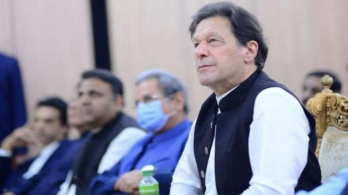 Pakistan stocks take a beating on controversy over ISI chief appointment | पाकिस्तान में ISI चीफ को लेकर मचा घमासान, स्टॉक एक्सचेंज हुआ लहुलुहान
