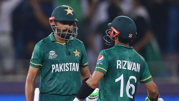 IND vs PAK: ऐतिहासिक जीत दर्ज कर कप्तान बाबर बोले- इस आत्मविश्वास को टूर्नामेंट में आगे लेकर जाएंगे
