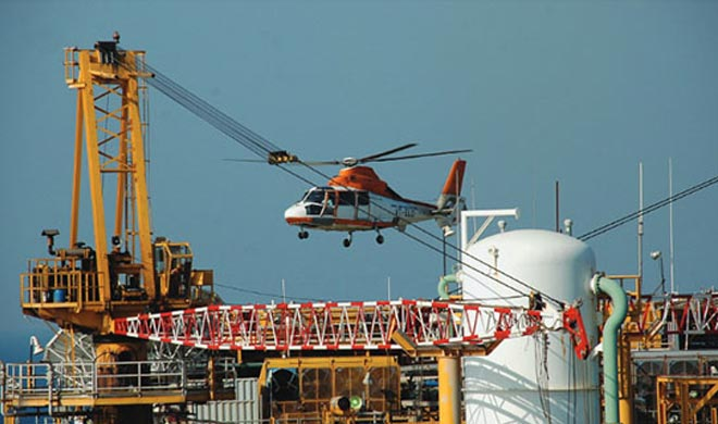 Mumbai-Helicopter-with-7-on-board-including-ONGC-staff-goes-missing- India TV Hindi