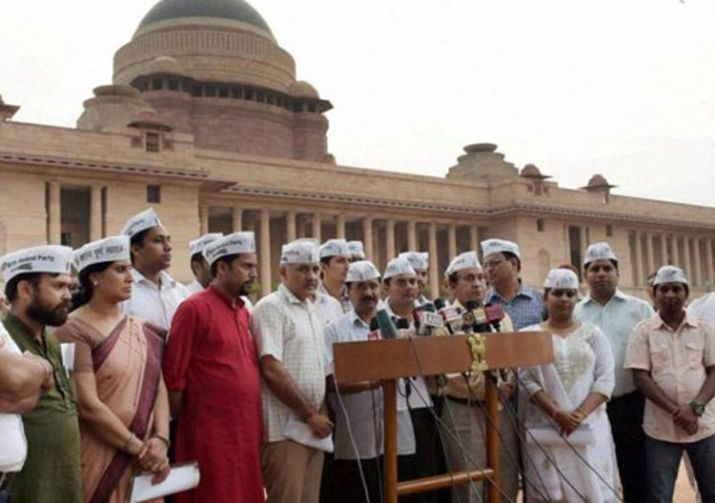 Office-of-profit-20-AAP-MLAs-withdraw-plea-from-Delhi-HC-against-Election-Commission- India TV Hindi