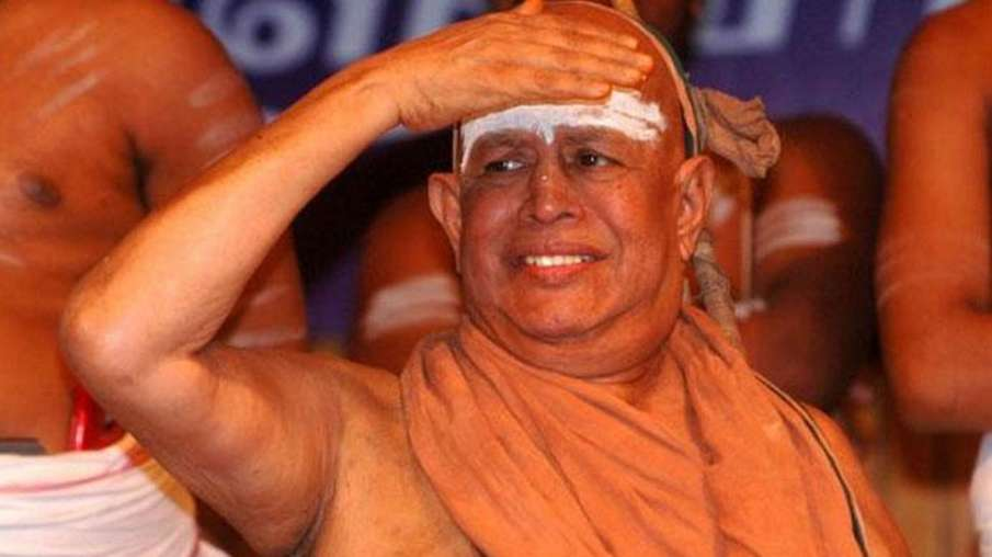 Kanchi-seer-Jayendra-Saraswathi-passes-away-at-82- India TV Hindi