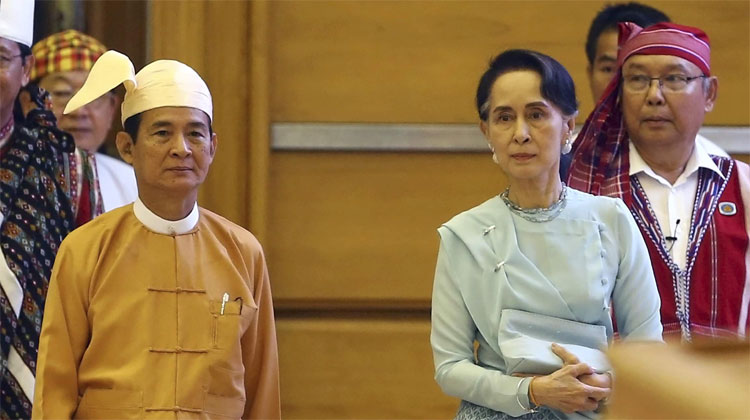 Myanmar's new President Win Myint with leader Aung San Suu Kyi | AP Photo- India TV Hindi
