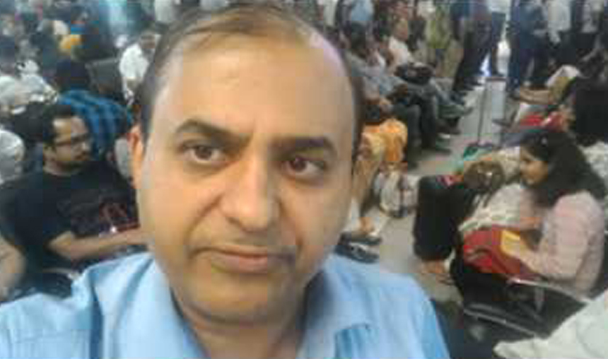 IndiGo offloads Bengaluru doctor after he complains of mosquito menace- India TV Hindi