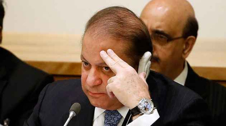 Pakistan authorities withdraw security of non-entitled persons including Nawaz Sharif | AP- India TV Hindi
