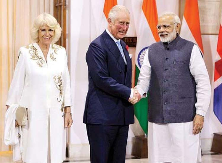 Prime Minister Modi meets Prince Charles- India TV Hindi