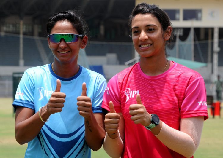 Big Bash League: हरमनप्रीत ने फिर किया सिडनी थंडर्स के साथ करार, नई टीम से खेलेंगी मंधाना- India TV Hindi