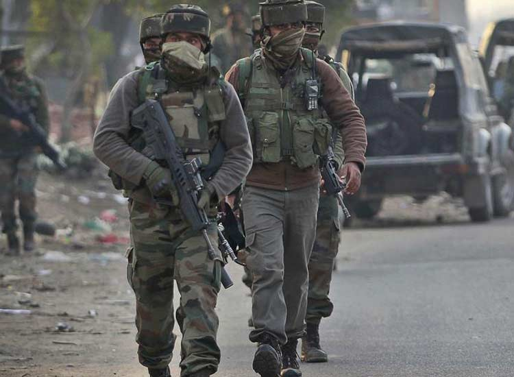 Militant attack on army camp in Pulwama district...- India TV Hindi