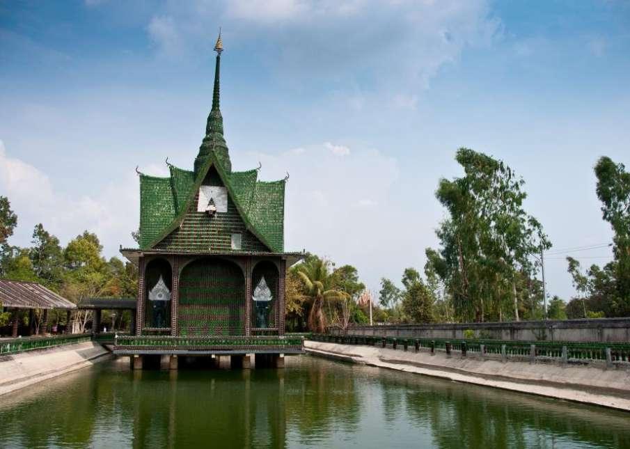 Wat Pa Maha Chedi Kaew temple thailand- India TV Hindi