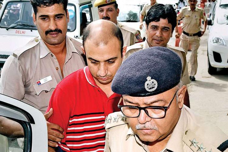 शैलजा मर्डर में अहम कामयाबी, पुलिस को मिले मेजर के चाकू और जले कपड़े- India TV Hindi