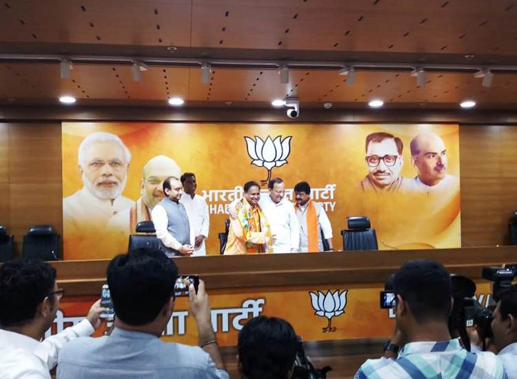 Ex-TMC minister Humayun Kabir joins BJP- India TV Hindi