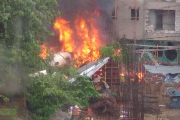 Mumbai Ghatkopar Plane Crash- India TV Hindi