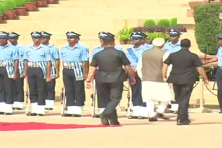 PM Narendra Modi inquires about health of IAF guard who collapsed at Rashtrapati Bhavan   ANI Photo- India TV Hindi