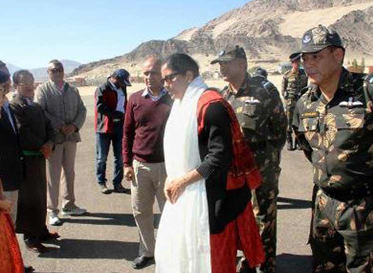 nirmala sitharaman visit baltal base camp- India TV Hindi