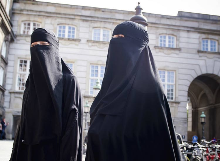 Switzerland government rejects proposals to ban burqa- India TV Hindi
