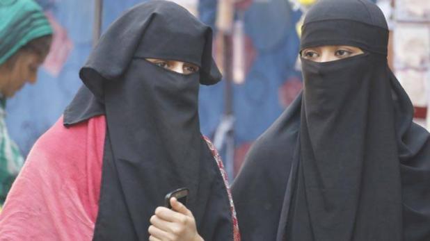 उत्तर प्रदेश: बरेली जामा मस्जिद के इमाम ने तीन तालक पीड़िता निदा खान के खिलाफ फतवा जारी किया- India TV Hindi