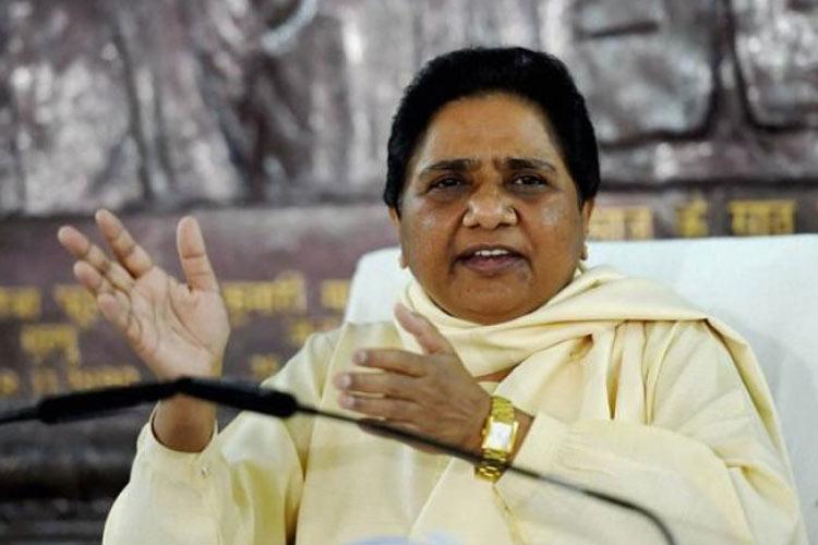 Mayawati claims BSP dont have any Tweeter and Facebook...- India TV Hindi