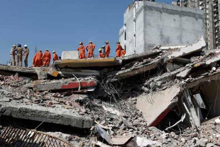 After Greater Noida Building Collapse Case Against 74...- India TV Hindi