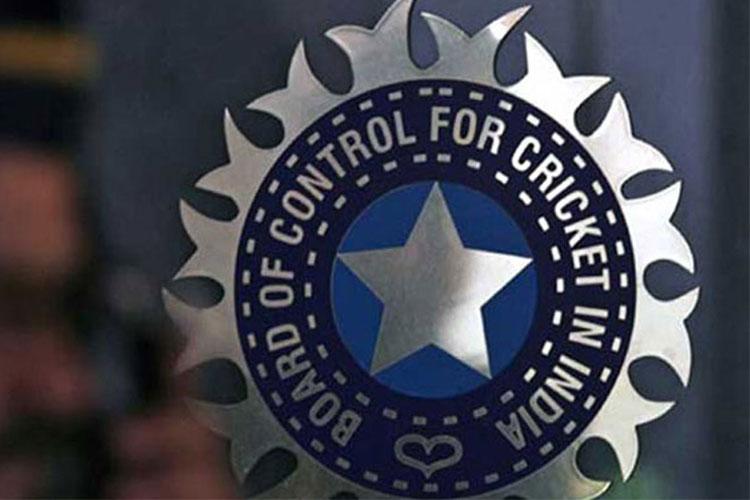 बीसीसीआई का बड़ा फरमान! अगर जन्मतिथि से की छेड़छाड़ तो लगेगा दो सीजन बैन- India TV Hindi