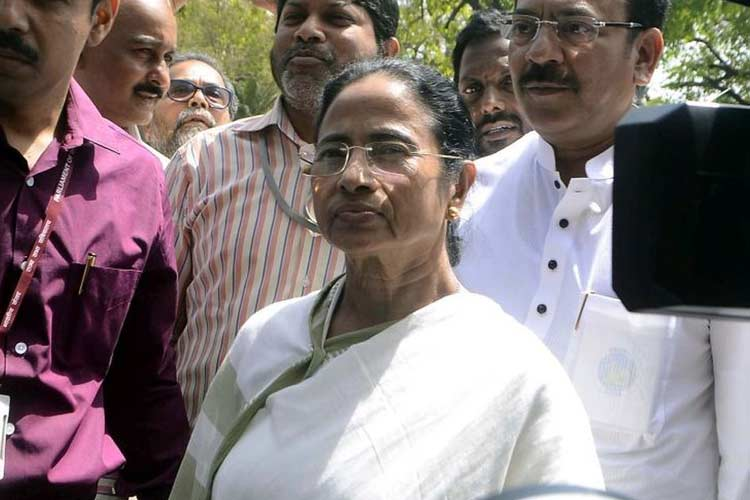 NRC Mamata Banerjee accuses BJP-RSS of spreading...- India TV Hindi