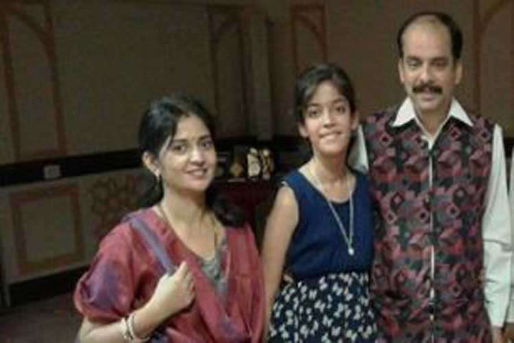 Ahmedabad businessman commits suicide after killing wife, daughter; suicide note talks of 'evil forc- India TV Hindi