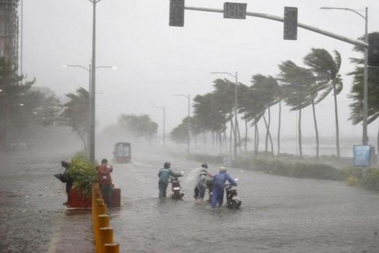 Super Typhoon 'Mangkhut' strikes northern Philippines, now heading towards China | AP File- India TV Hindi