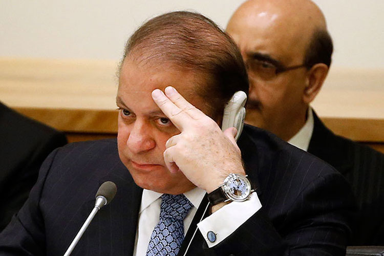 No 'deal' with Saudi Arabia for release of Sharif & family from jail, says Pak Minister | AP- India TV Hindi