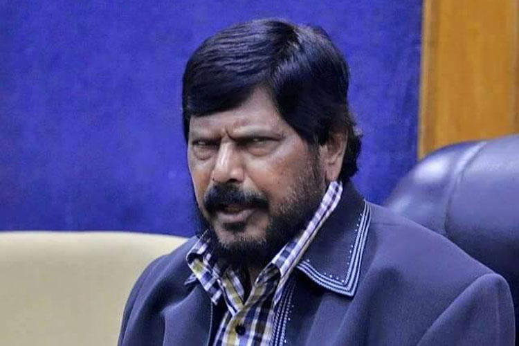 Ramdas Athawale apologises for his 'I am a minister' remark on rising fuel prices | PTI File- India TV Hindi