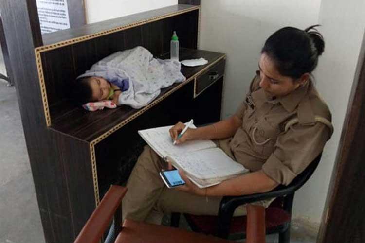 Lady cop- India TV Hindi