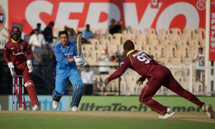 MS Dhoni 1 run away from 10,000 runs - India TV Hindi