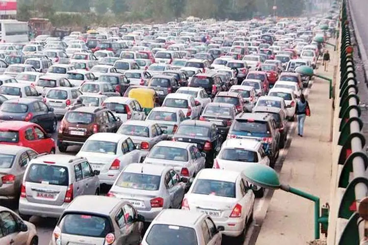 SC prohibits plying of 15-yr old petrol, 10-yr old diesel vehicles in NCR- India TV Hindi