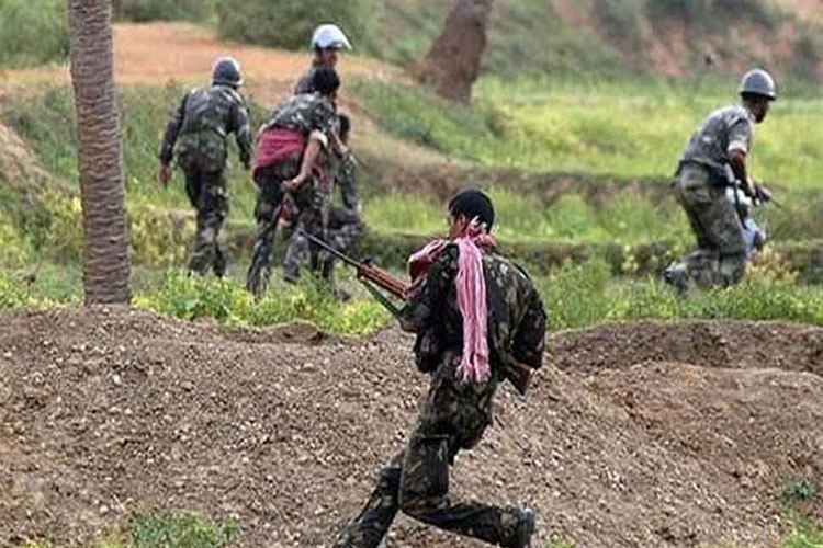8 Naxals killed and 2 security person martyred in Chhattisgarh Sukma - India TV Hindi
