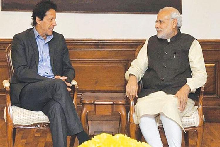 Imran Khan with Modi- India TV Hindi