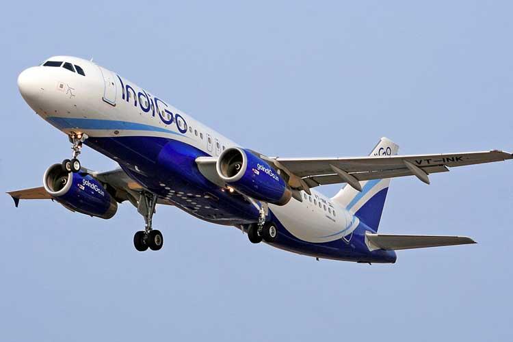 IndiGo plane tilts mid-air; aviation regulator DGCA...- India TV Hindi