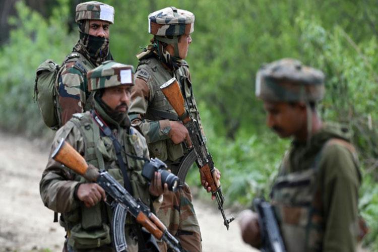 जम्मू-कश्मीर के शोपियां में पूर्व SPO समेत 3 का अपहरण- India TV Hindi