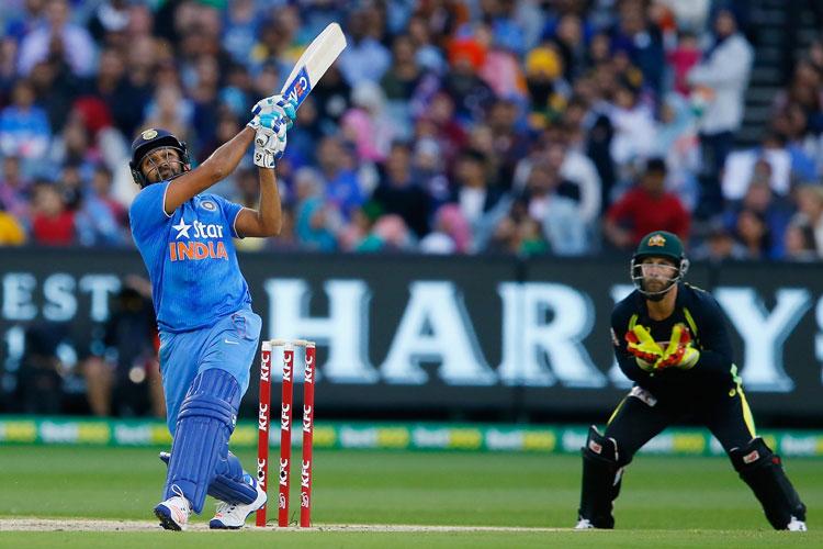 अकेले रोहित शर्मा ने जड़ दिए इतने छक्के जितने ऑस्ट्रेलिया की पूरी टीम भी नहीं लगा सकी- India TV Hindi