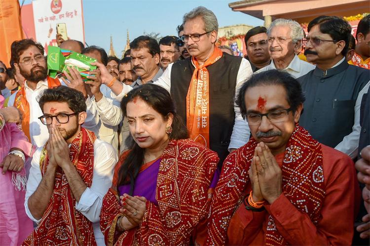 राजनीति करने नहीं, सोये कुंभकर्ण को जगाने आया हूं : उद्धव ठाकरे - India TV Hindi