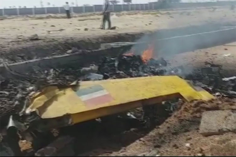 Aircraft Crash- India TV Hindi