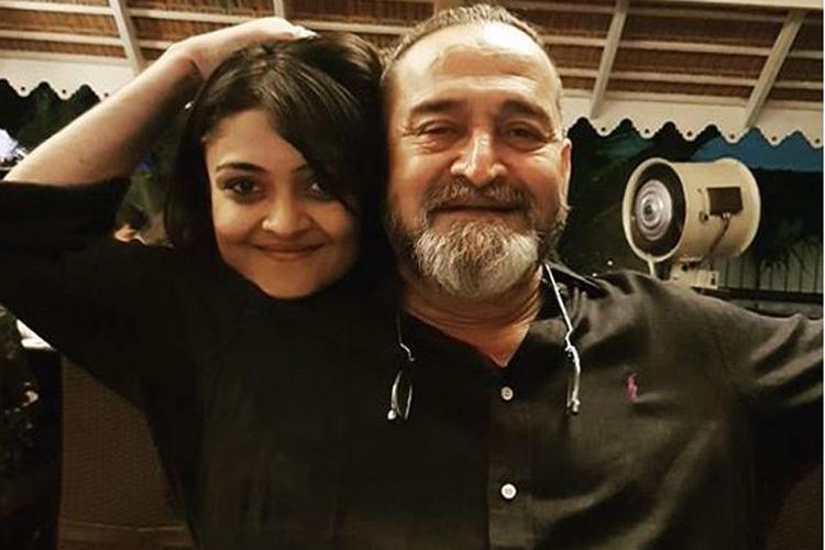 Mahesh Manjrekar with Daughter Ashwami- India TV Hindi