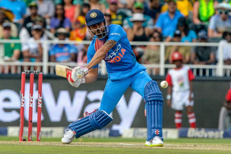 टीम इंडिया के इन खिलाड़ियों पर गिरी गाज, काफी समय बाद टीम से किए गए बाहर!- India TV Hindi