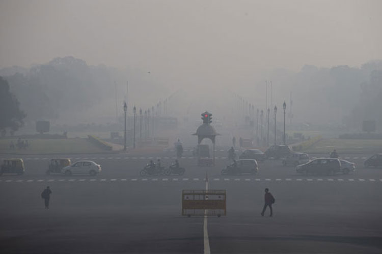 Delhi's air quality remains 'severe' for the fourth consecutive day | PTI File- India TV Hindi