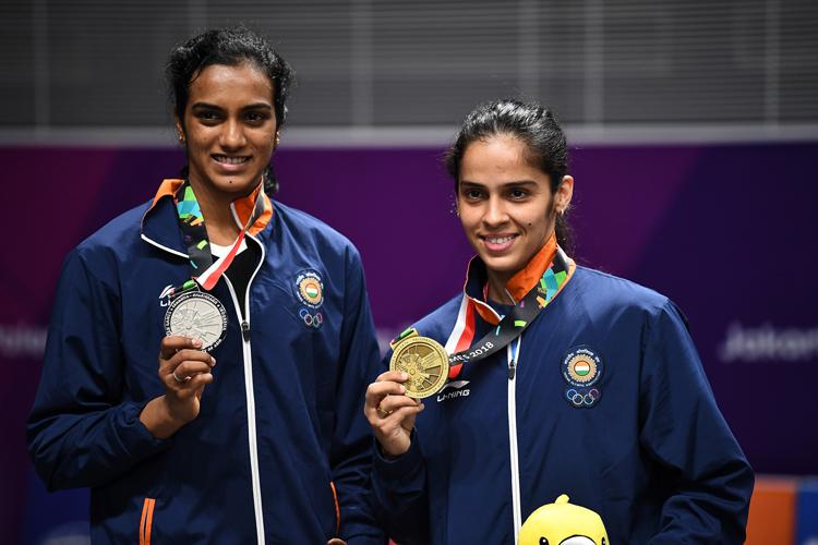 सीनियर राष्ट्रीय बैडमिंटन चैम्पियनशिप में खेलेंगी सिंधू और साइना - India TV Hindi