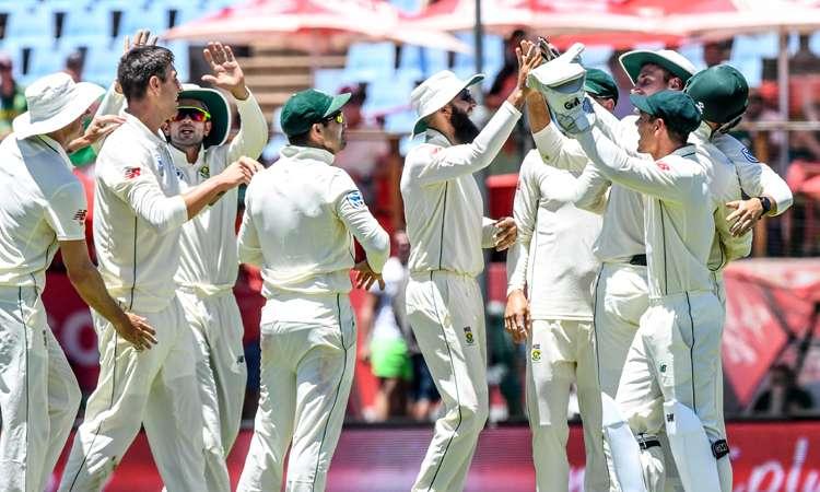 दक्षिण अफ्रीका बनाम पाकिस्तान: पहले दिन रहा गेंदबाजों का दबदबा, ओलिवर ने झटके 6 विकेट- India TV Hindi