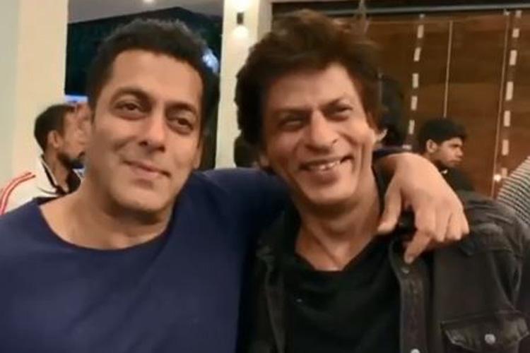 Shah Rukh Khan Salman Khan watches Karan Arjun together - India TV Hindi